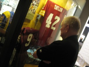 Sonny Jurgensen looks at an exhibit honoring him in the Hall of Fame.